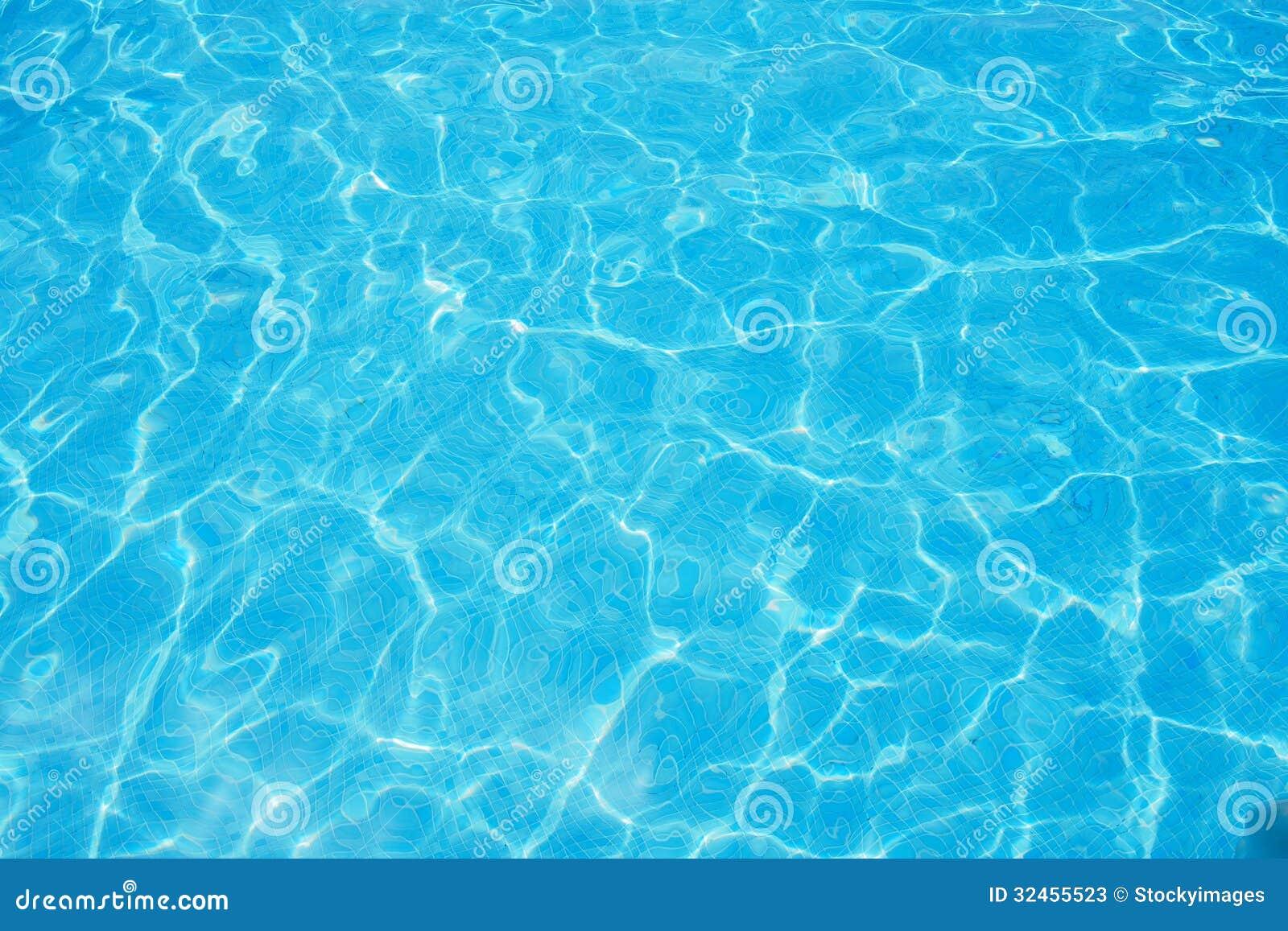 Piscina agua cristalina imagen de archivo imagen de for Agua piscina