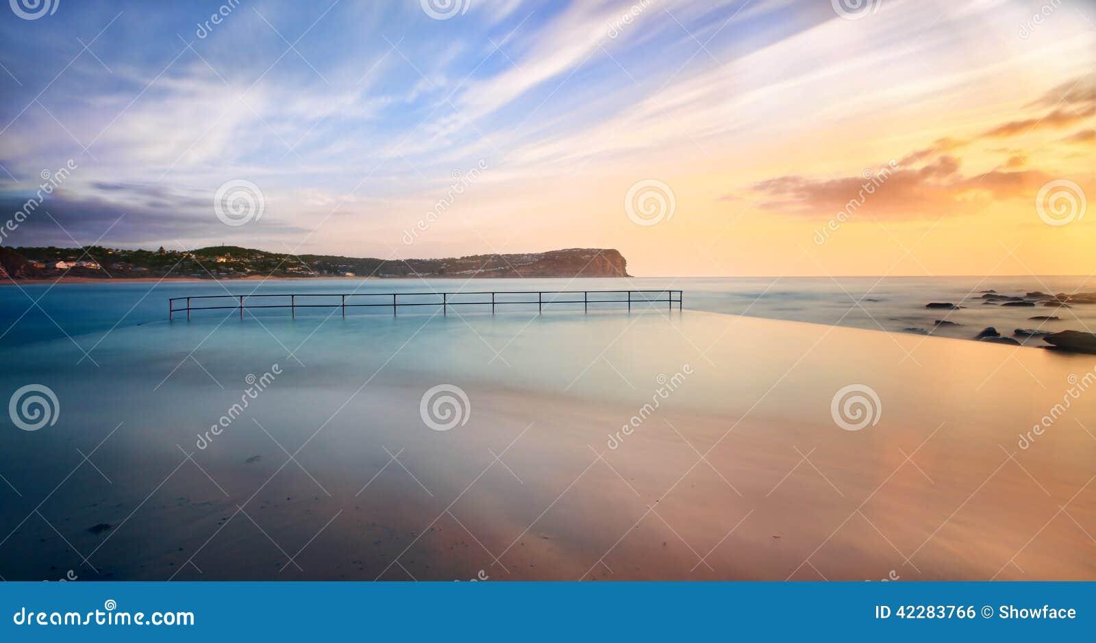 Piscina de la playa de Macmasters en la alta marea