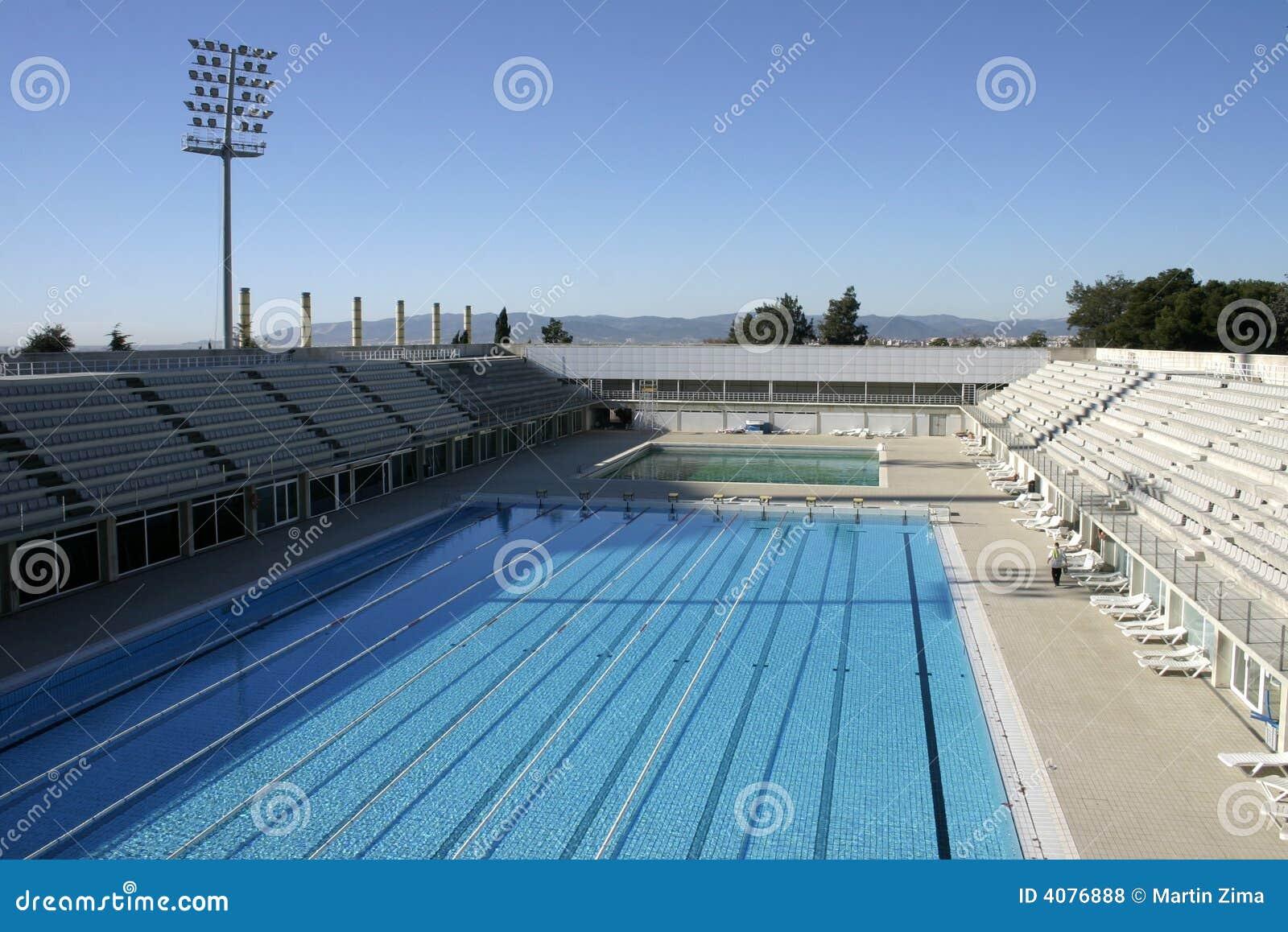 Piscina ol mpica fotos de stock royalty free imagem 4076888 for Piscina olimpica barcelona