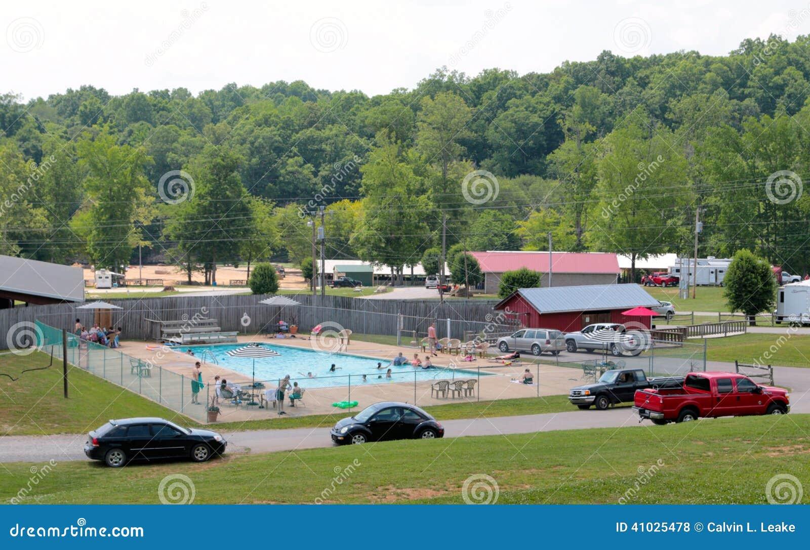 Piscina y área de picnic en el rancho de Mills Loretta Lynn del huracán