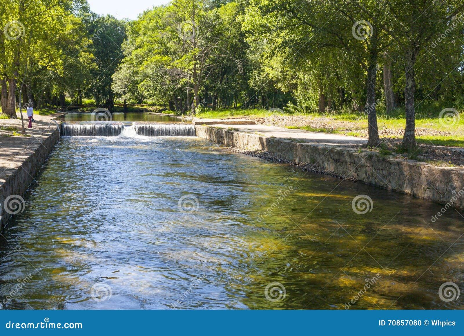 Piscinas naturales la codosera foto de archivo imagen 70857080 - Piscinas naturales badajoz ...