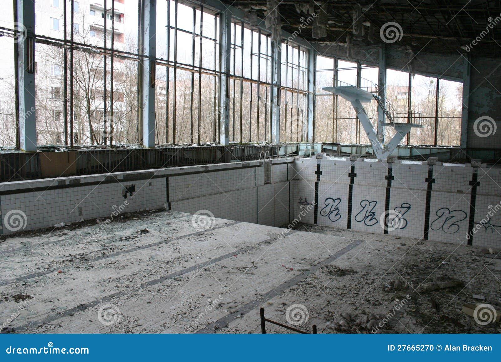 Piscine abandonn e pripyat chernobyl photo stock image for Piscine abandonnee