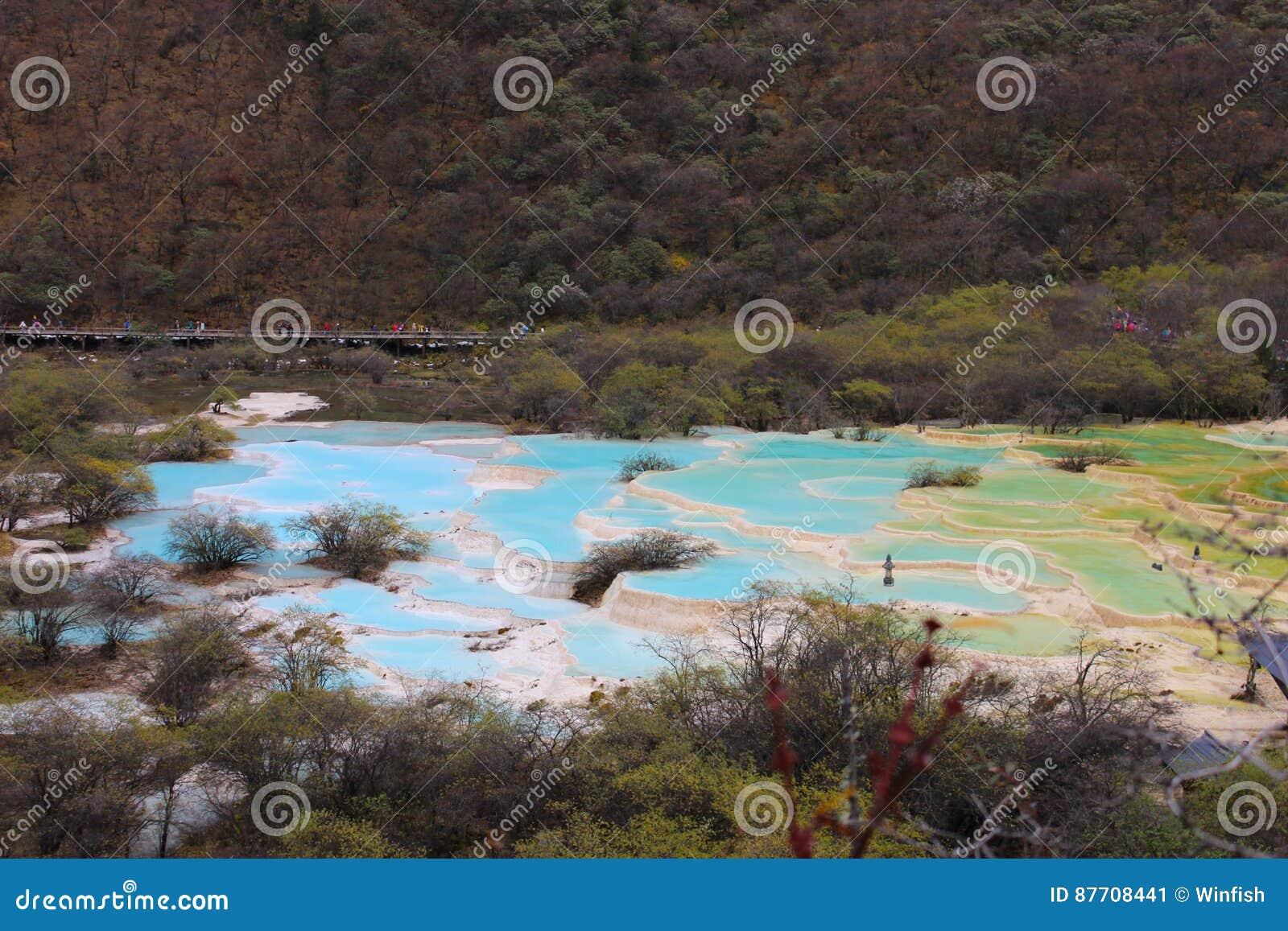 Piscine d eau colorée