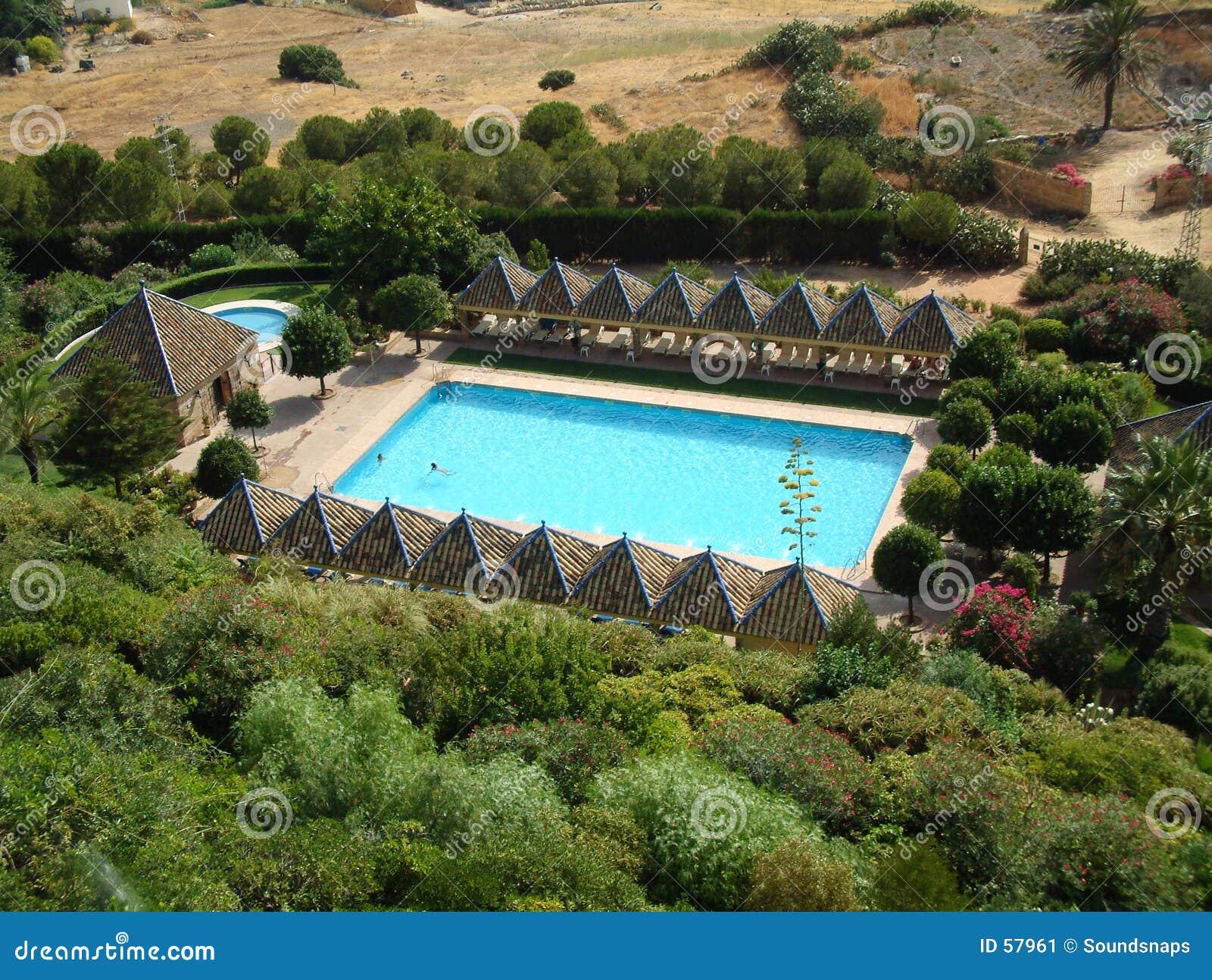 Download Piscine d'hôtel image stock. Image du hôtel, above, espagnol - 57961
