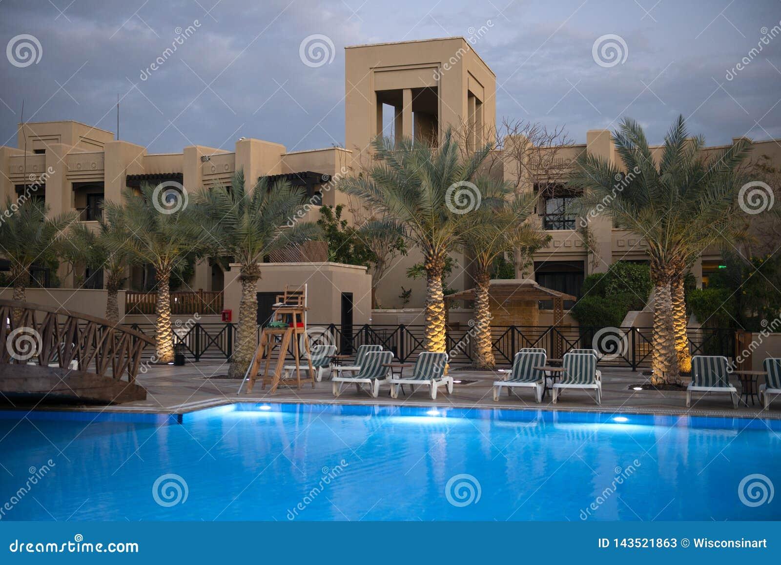 Piscine d hôtel de lieu de villégiature luxueux