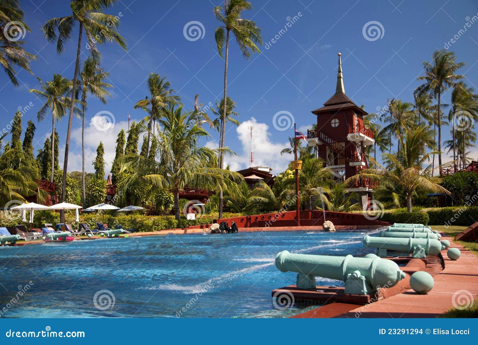 Piscine Dans Une Station De Vacances En Koh Samui, Thaïlande Photo ...