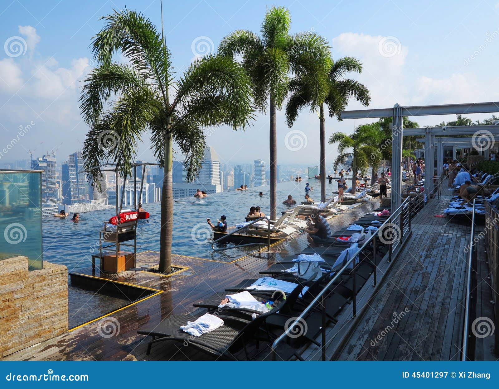 Piscine de singapour marina bay sands hotel swimming photographie ditorial image du marina - Ingresso piscina marina bay sands ...