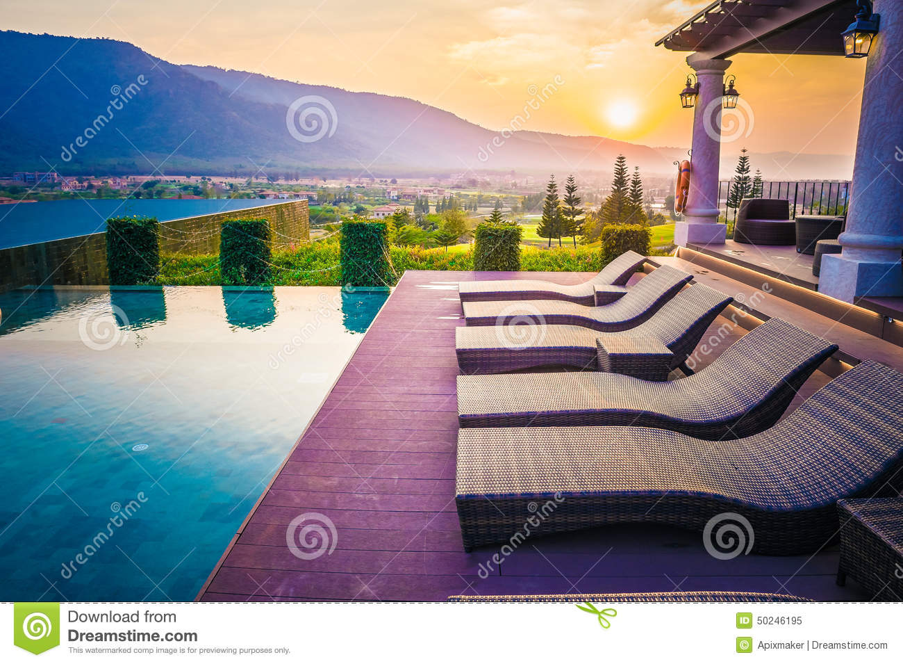 piscine montagne et coucher du soleil tha lande photo stock image 50246195. Black Bedroom Furniture Sets. Home Design Ideas