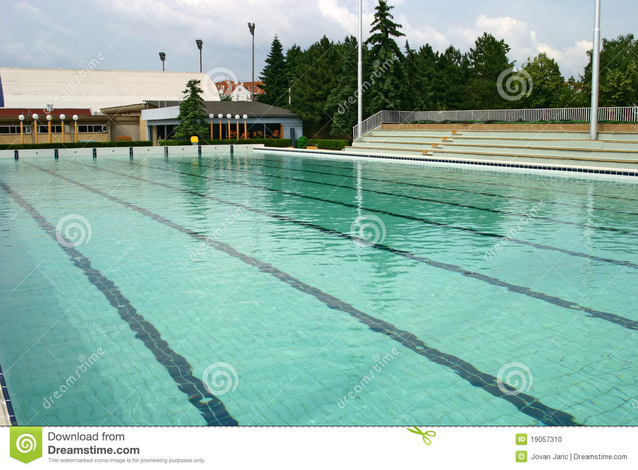 Piscine olympique photo stock image 19057310 for Construction piscine olympique aubervilliers