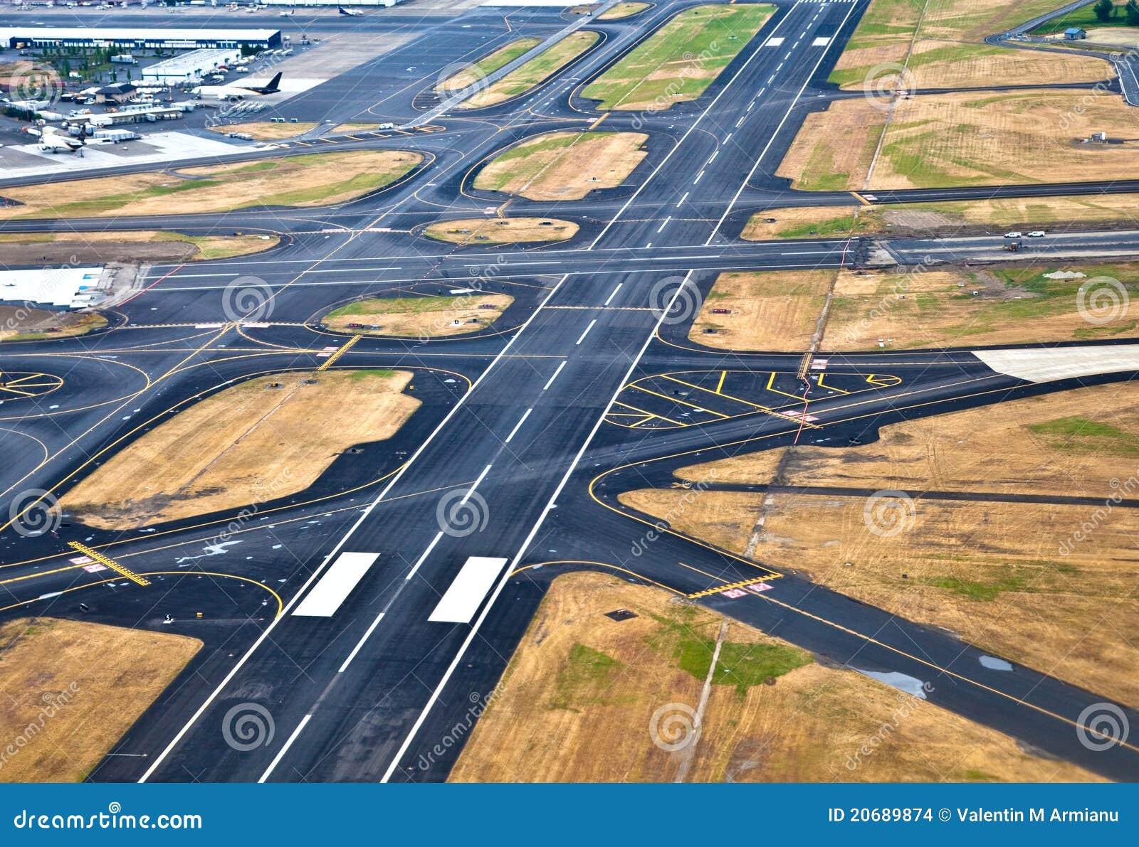 Pista de decolagem do aeroporto