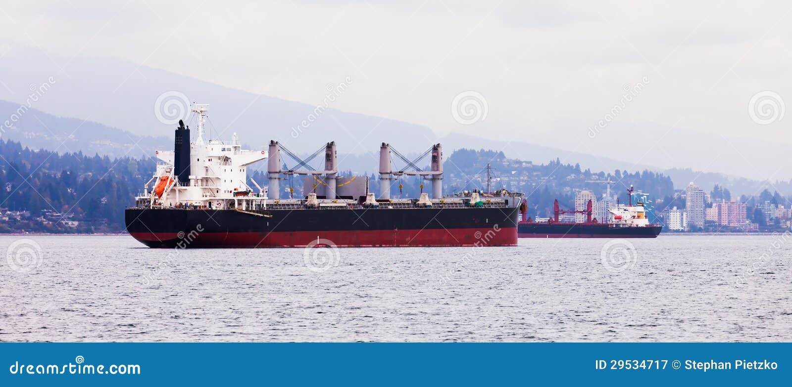 Pista de transporte litoral ocupada fora de Vancôver norte