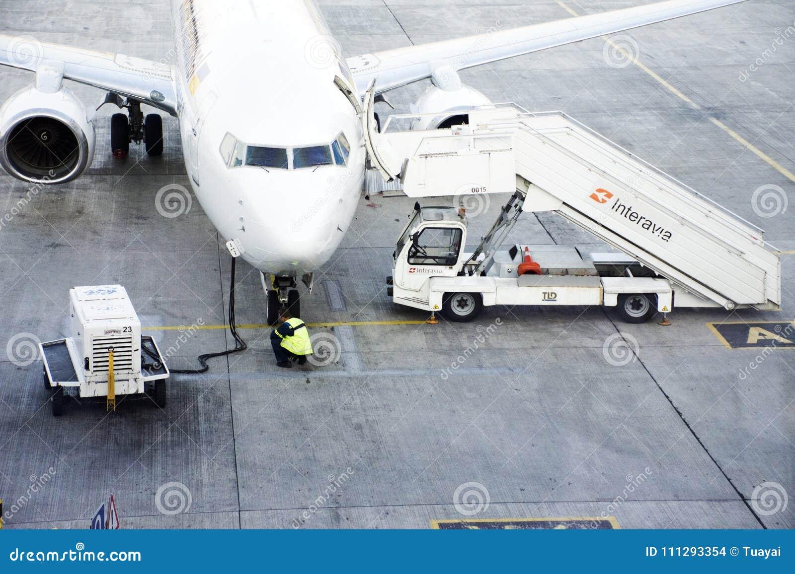 Aeroporto Kiev : Pista dell aeroporto internazionale di kiev boryspil a kiev