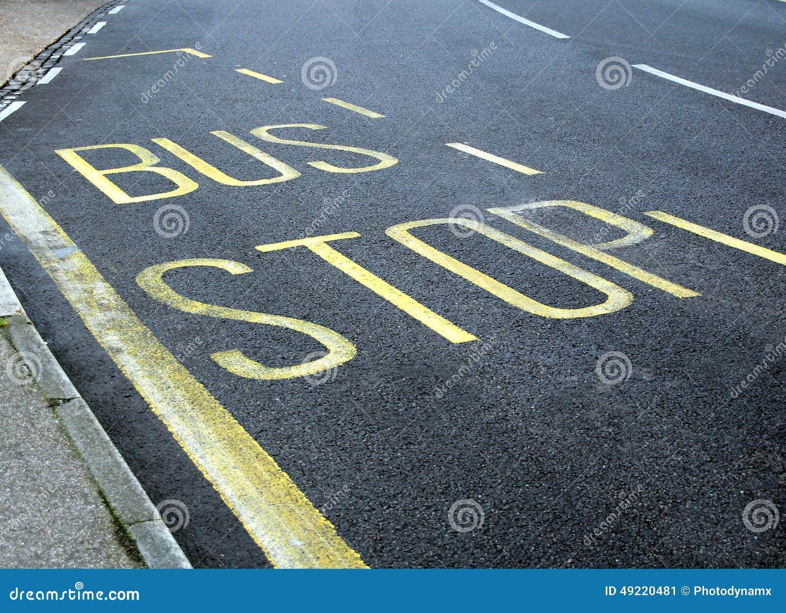 Pista do sinal da parada do ônibus