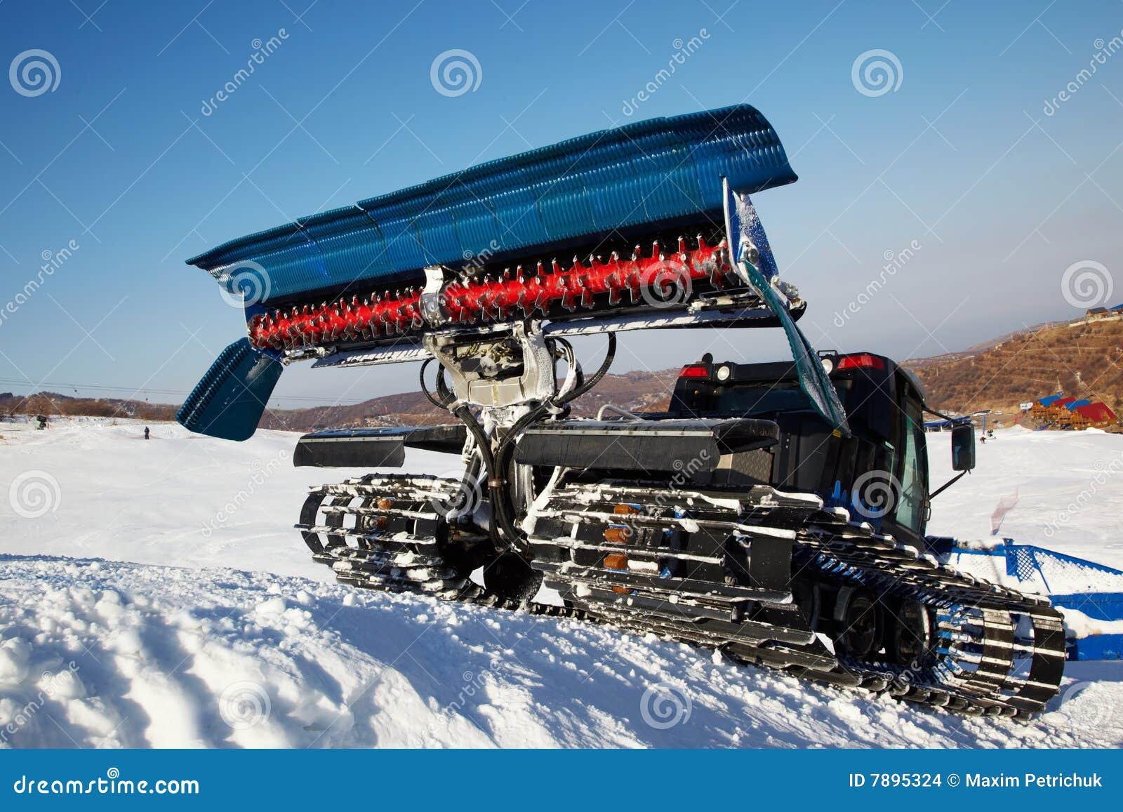 snow cat machine