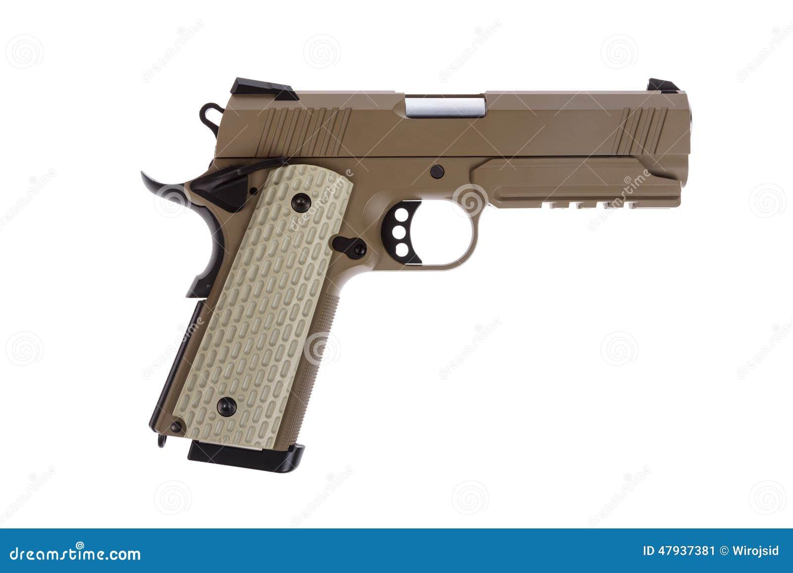 Pistola tattica del deserto su fondo bianco