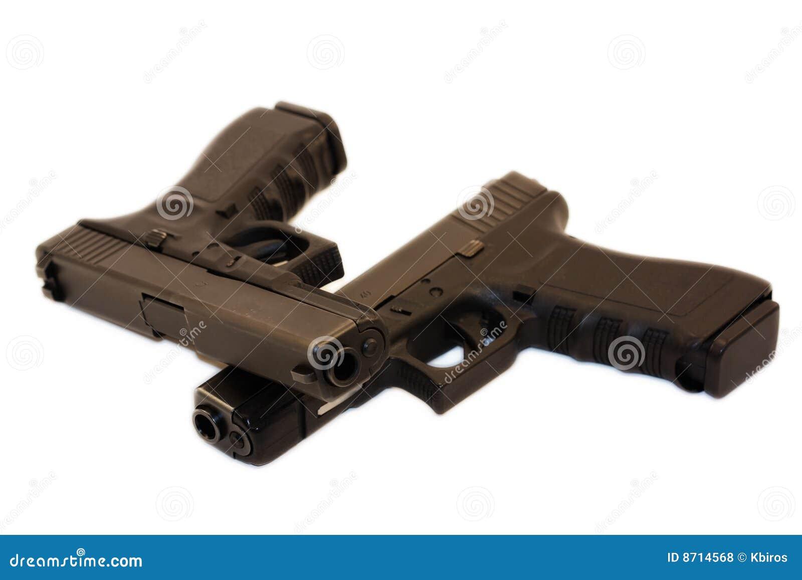 Pistoler kopplar samman