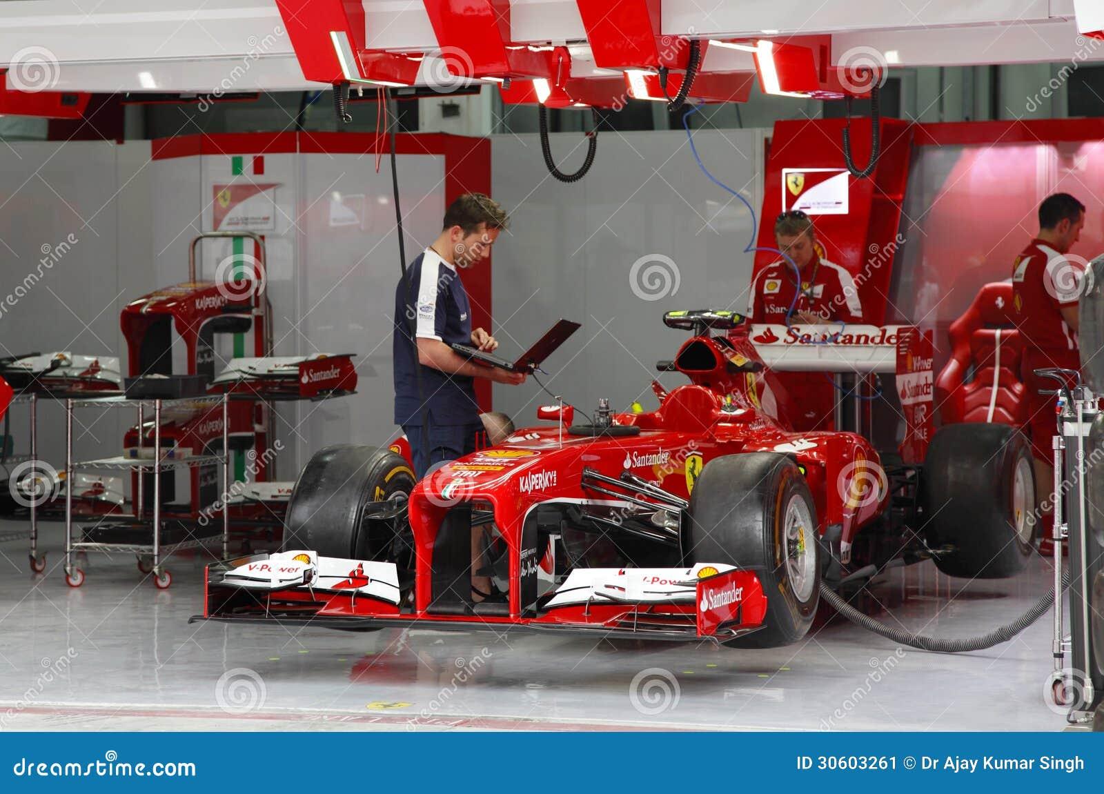 Pit stop garage of team ferrari editorial photo image of for Garage formule m