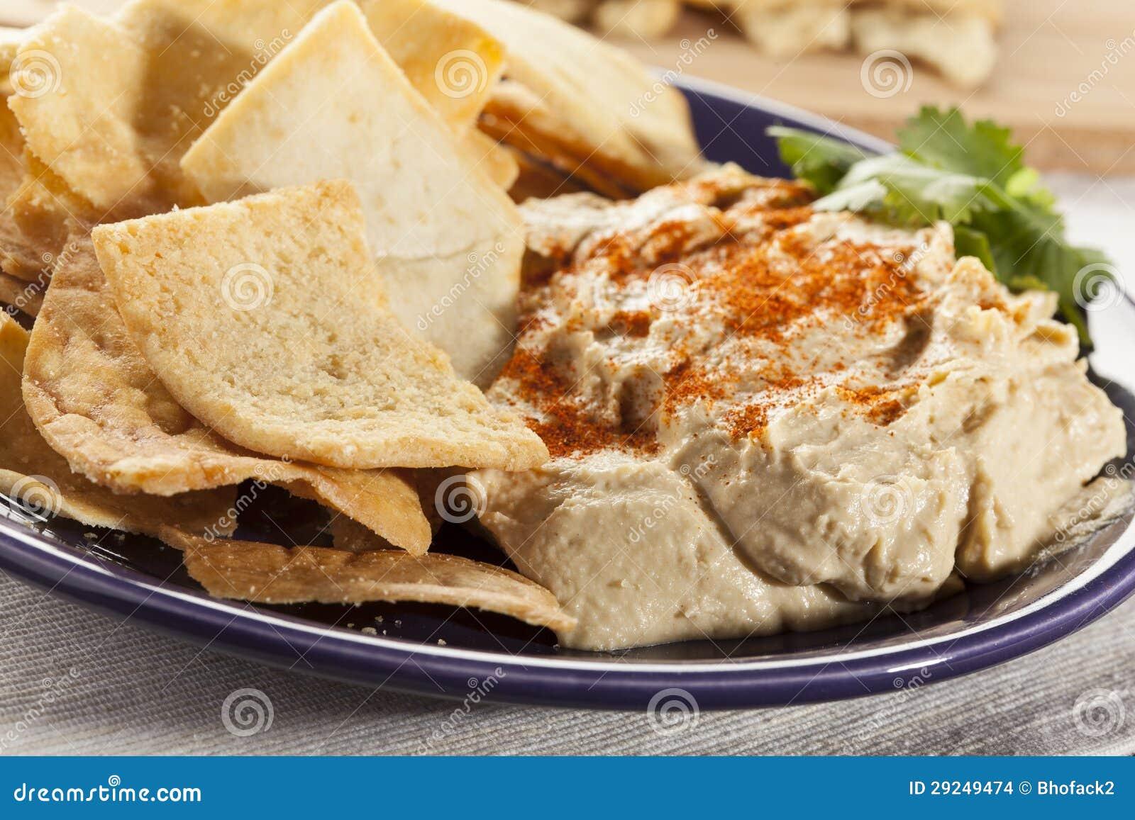 Download Pita Chips Crocante Caseiro Com Hummus Foto de Stock - Imagem de duro, crunchy: 29249474