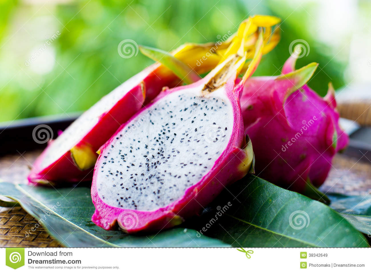 how to cut pitaya to make cuys