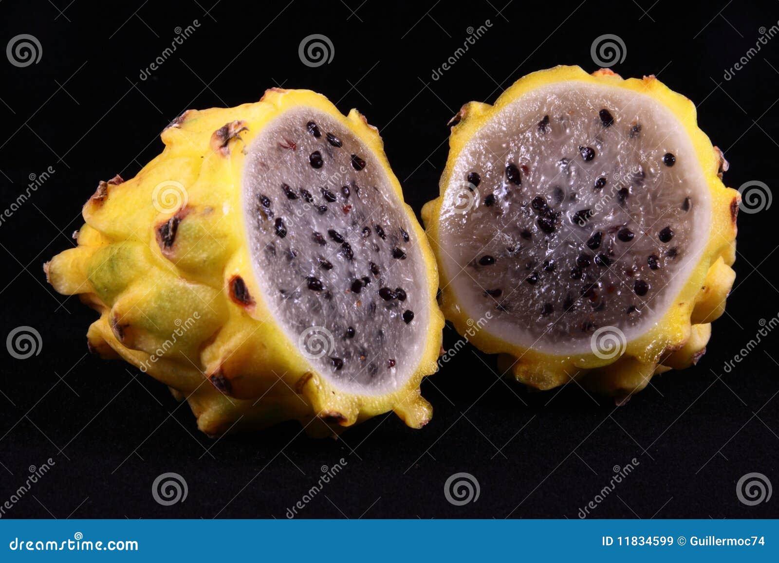 Pitaya Fruta Tropical Imagem De Stock Imagem De Molhado 11834599