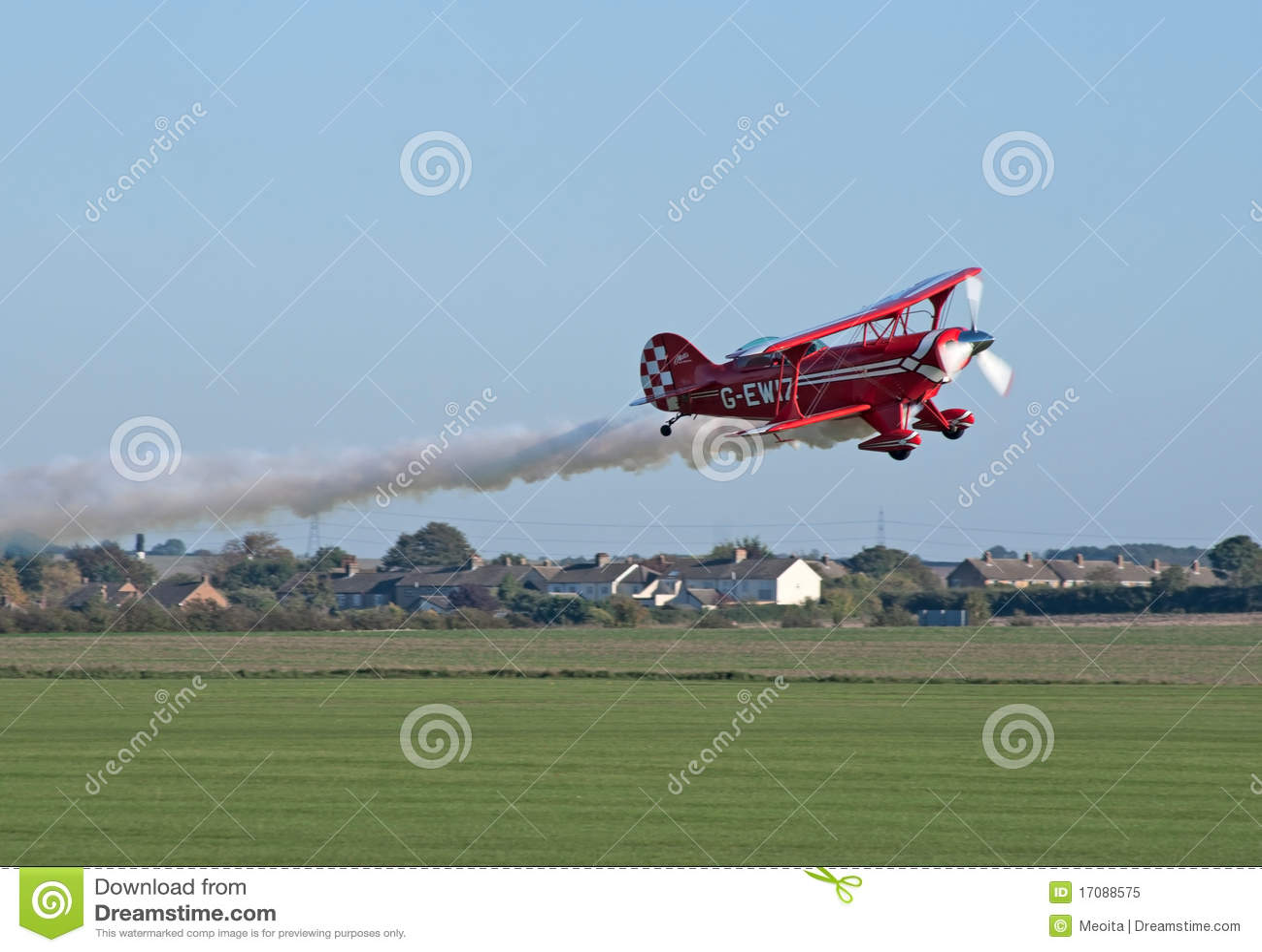 Pitts S2-S zeigt low-altitude Flugwesen