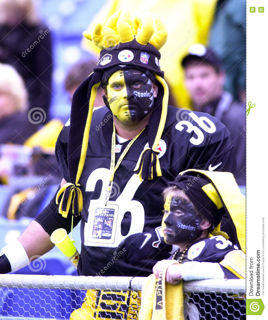100% authentic 7c766 5f058 Pittsburgh Steelers fans. editorial stock photo. Image of ...