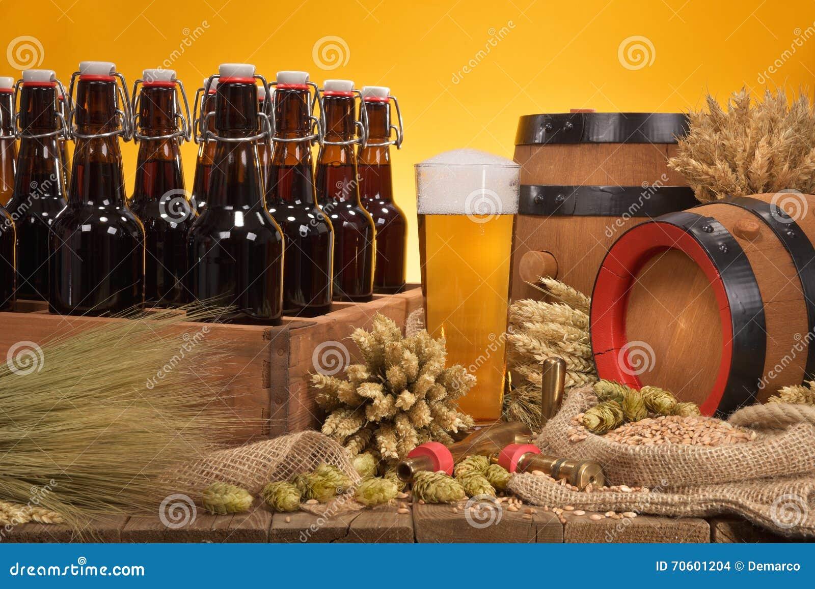 Piwna skrzynka z piwnym szkłem