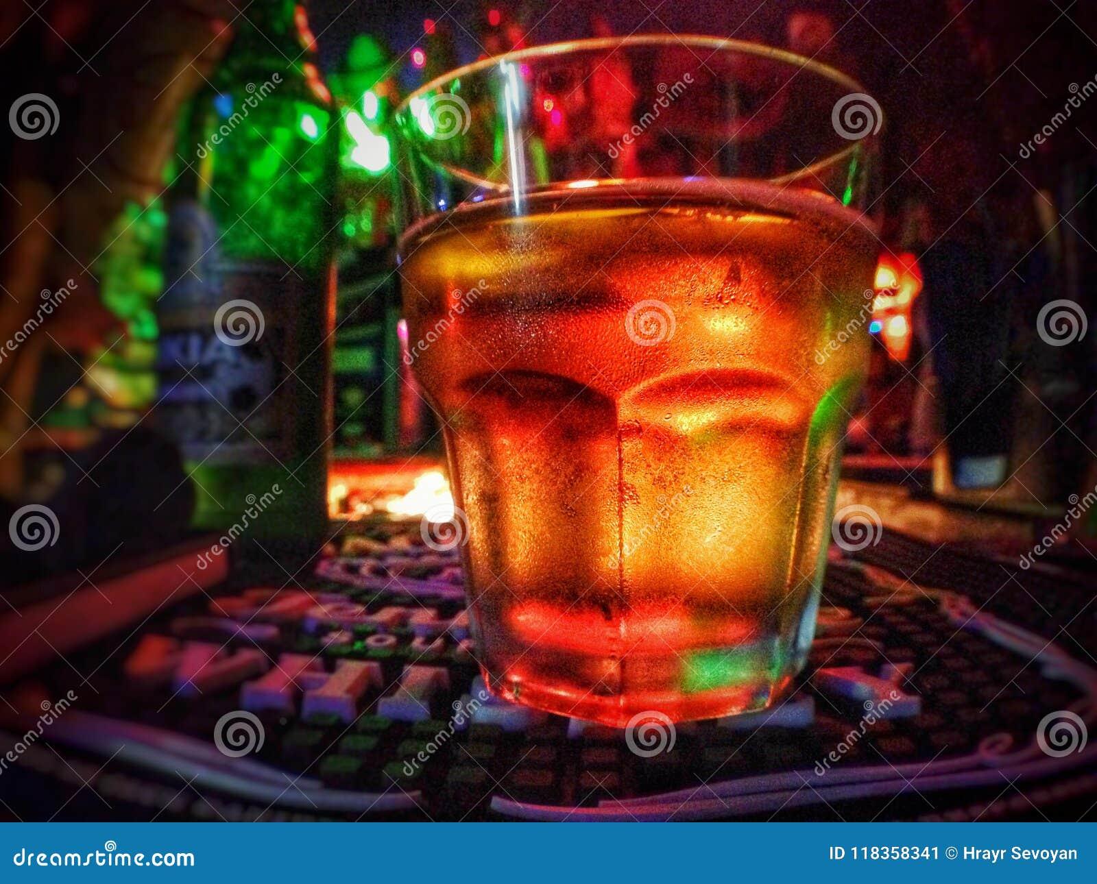 Piwo z złotym konopie