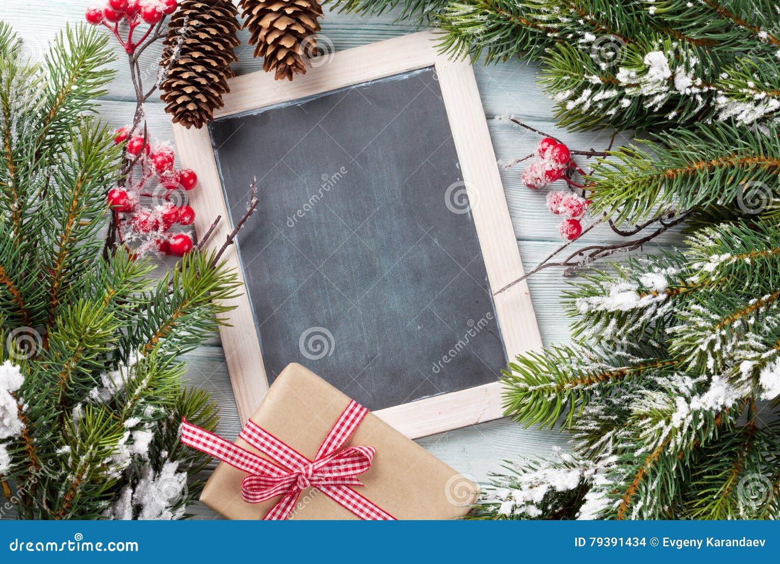 Pizarra de la Navidad, árbol y caja de regalo