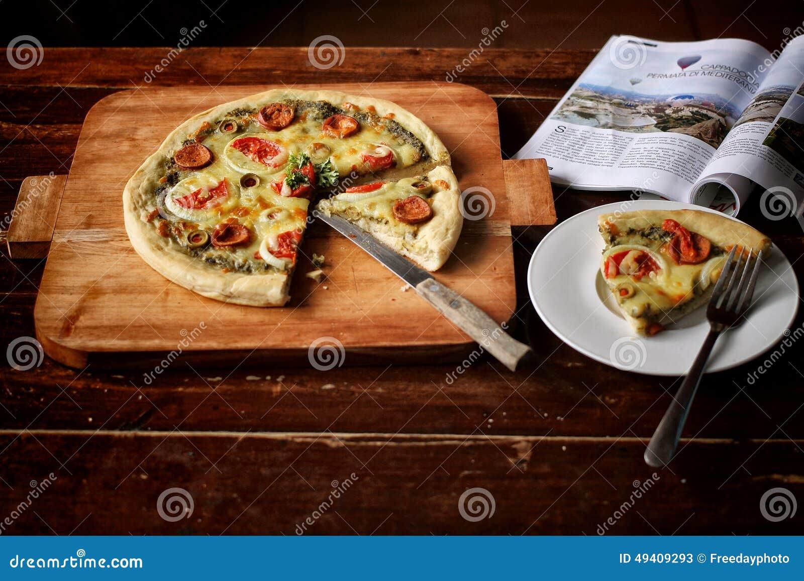 Download Pizza stockbild. Bild von rindfleisch, knoblauch, flasche - 49409293