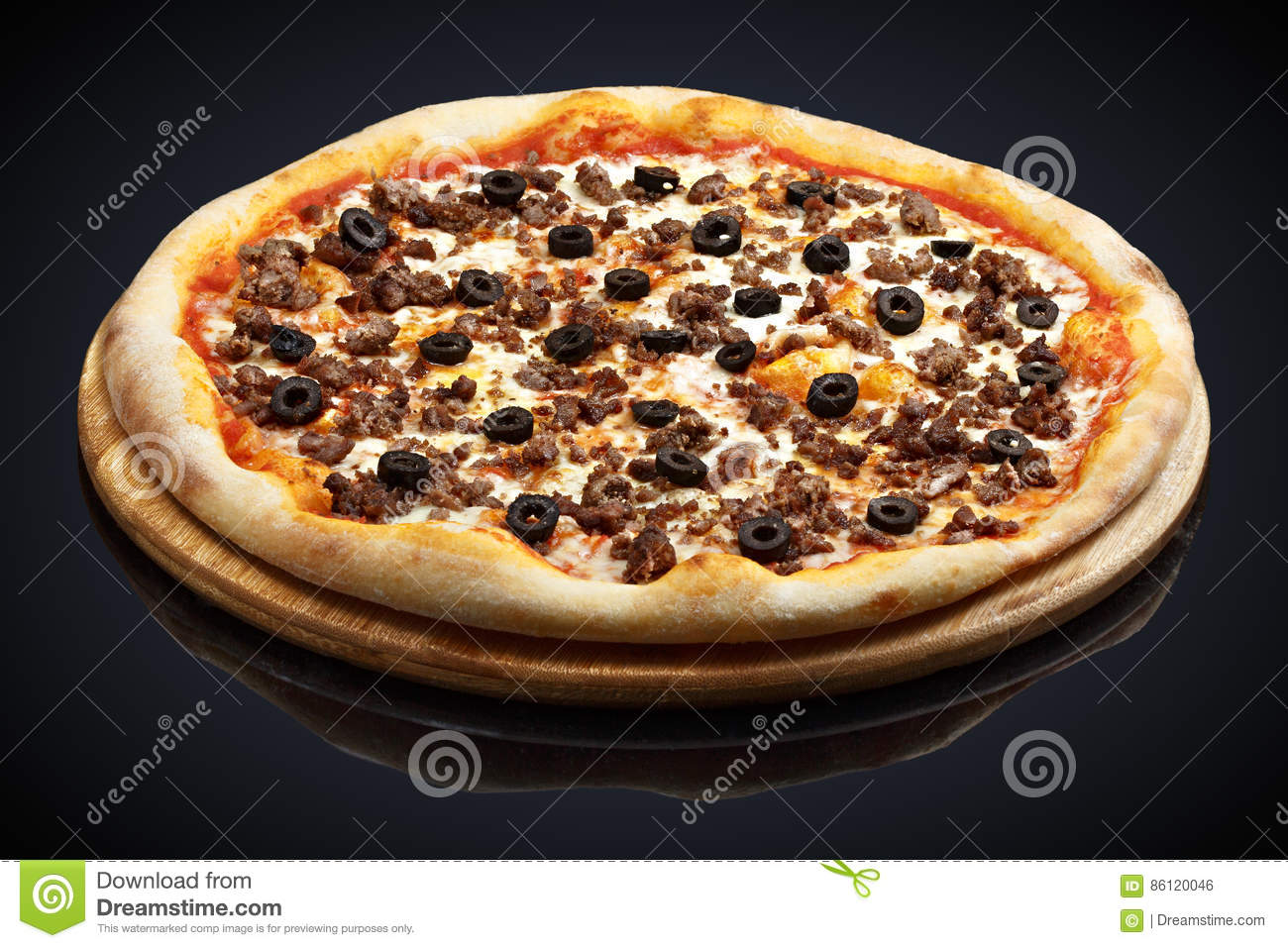 Pizza Bolognese with meat