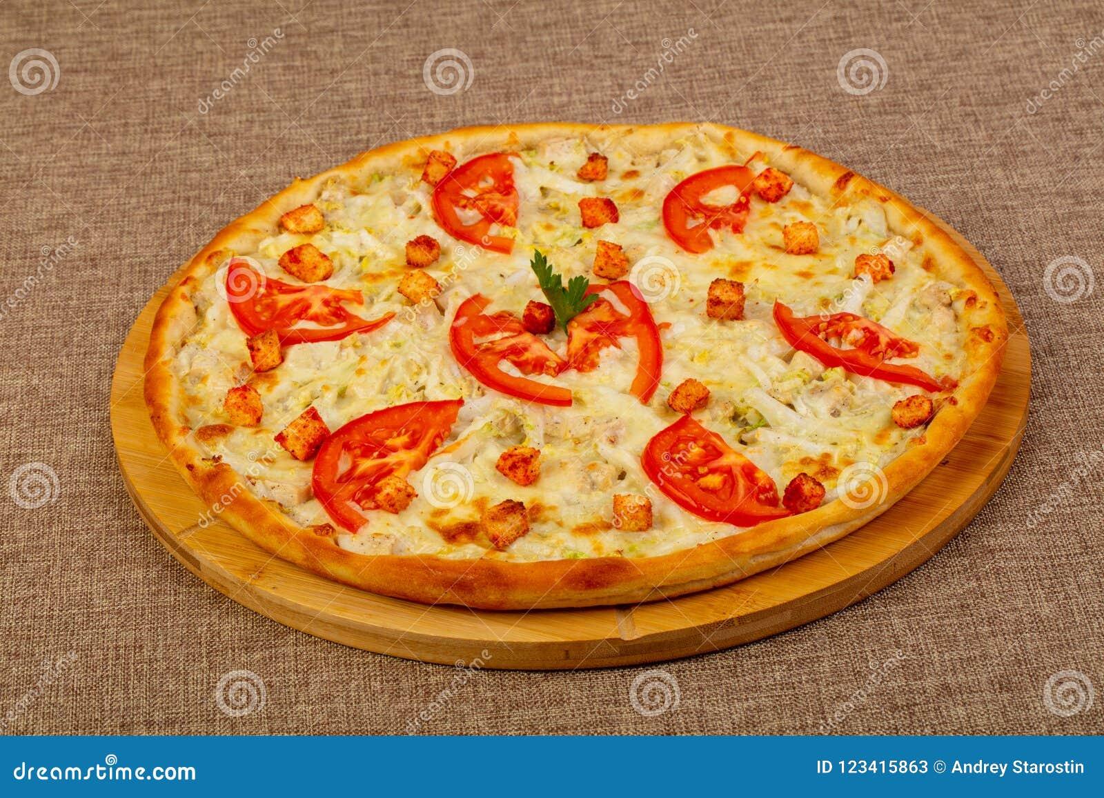 Pizza Caesar Mit Huhn Stockbild Bild Von Parmesankäse 123415863