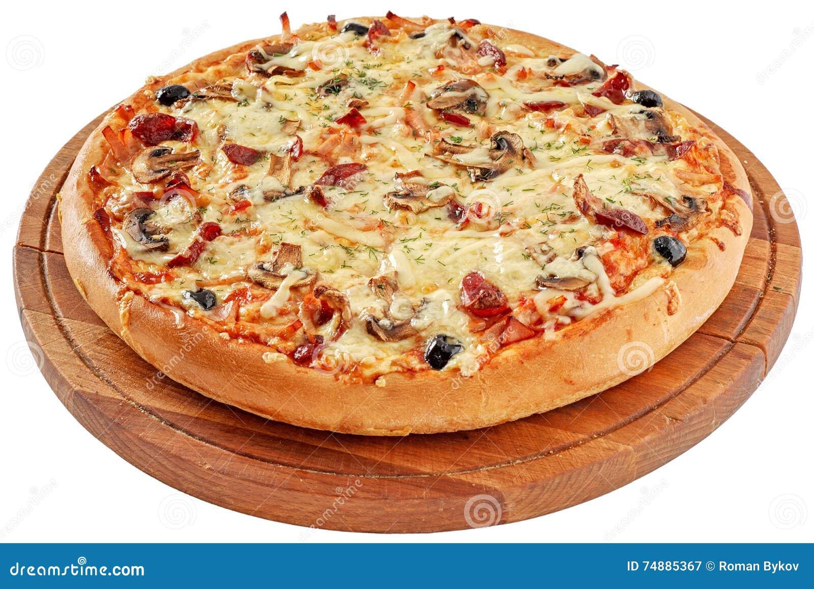 Pizza com carne fumado e cogumelos