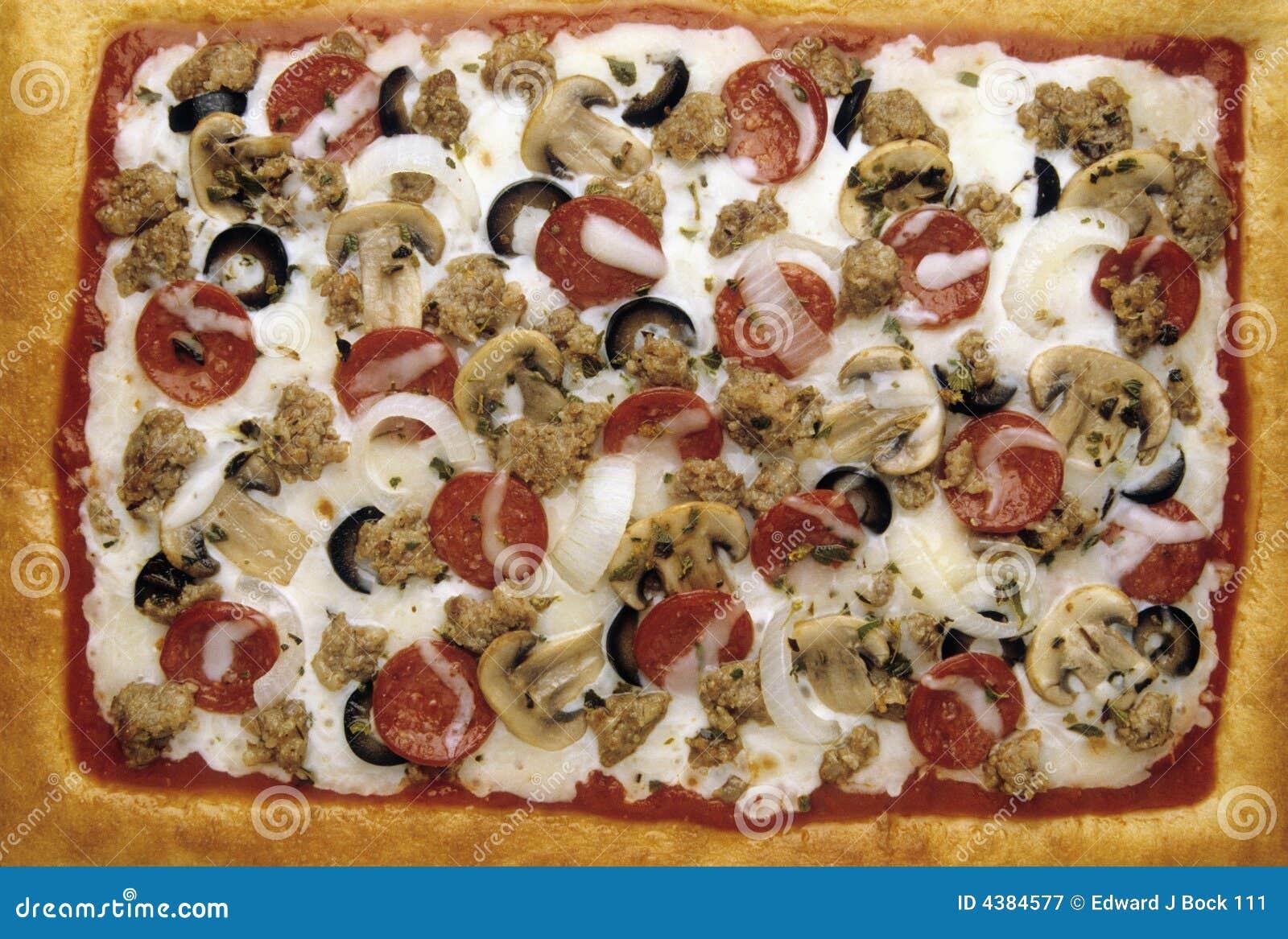pizza de fromage de saucisse de pepperoni de luxe photographie stock libre de droits image. Black Bedroom Furniture Sets. Home Design Ideas