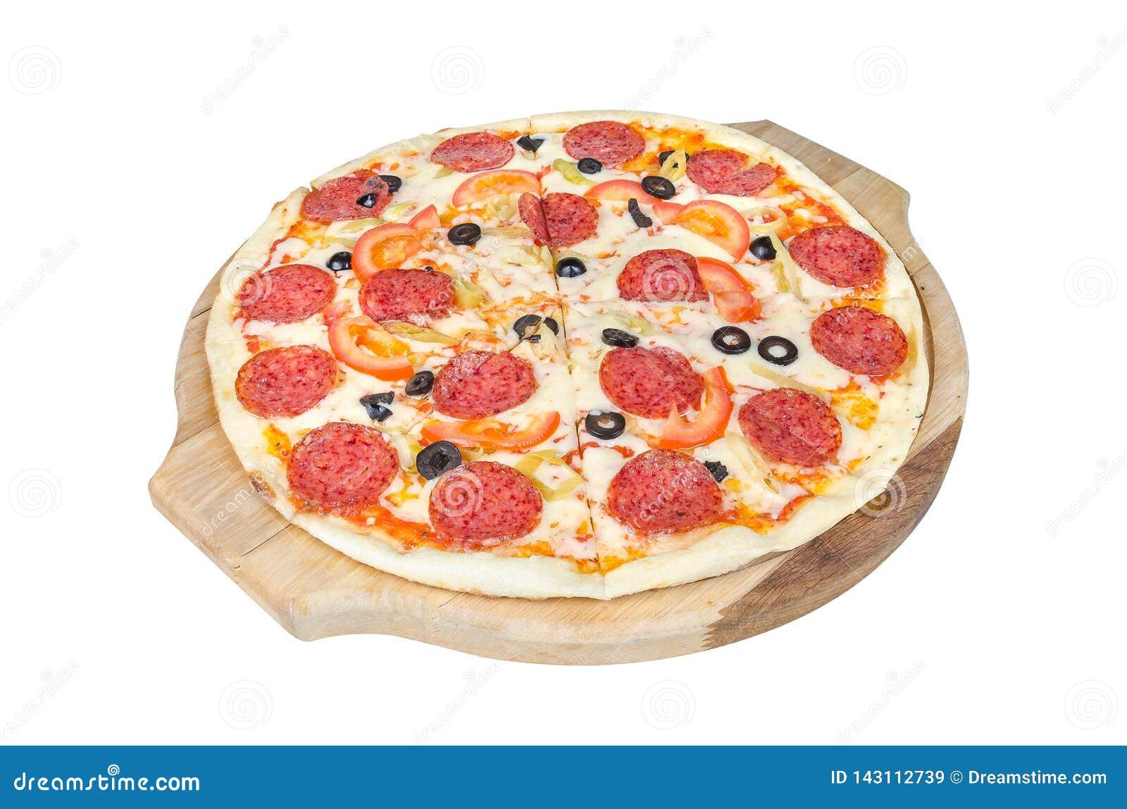 Pizza de pepperoni sur une planche à découper ronde d isolement sur le fond blanc