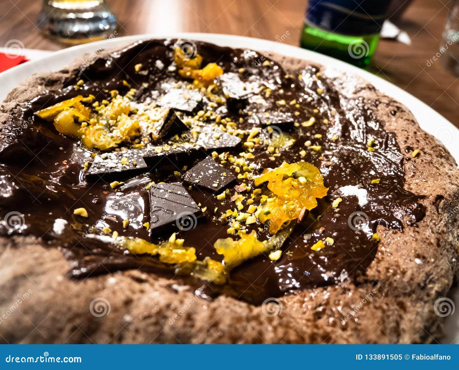 Pizza deliziosa della cioccolata calda
