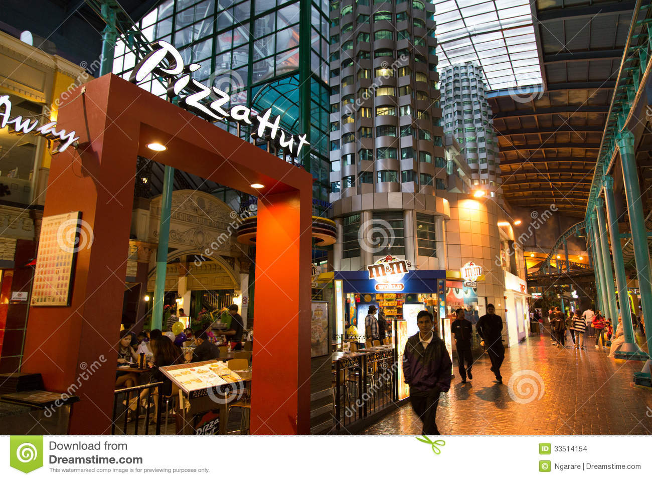 Pizza Hut At Resort World Genting Editorial Stock Image ...