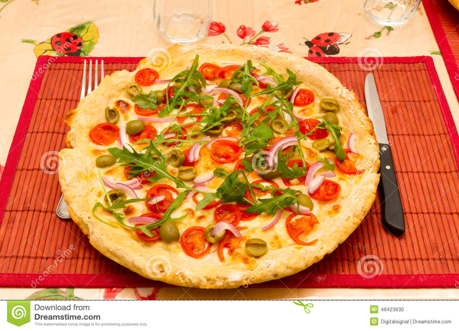 Tavola Da Mangiare.Pizza Italiana Su Un Da Portare In Tavola Da Mangiare