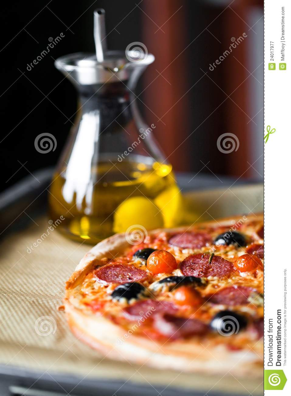 pizza with olive oil royalty free stock photography image 24017977. Black Bedroom Furniture Sets. Home Design Ideas
