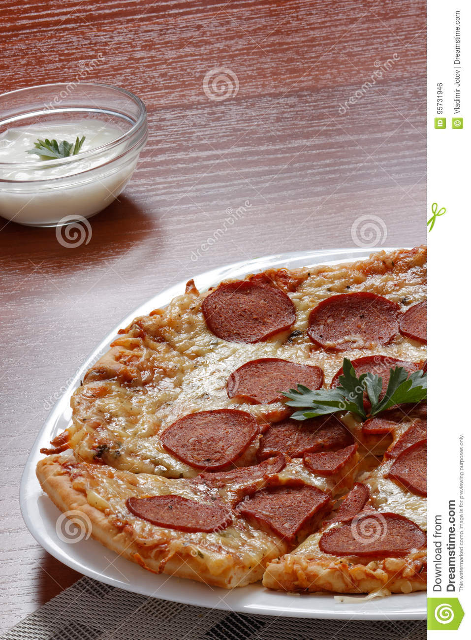 Pizza-Pepperonis mit pökeln