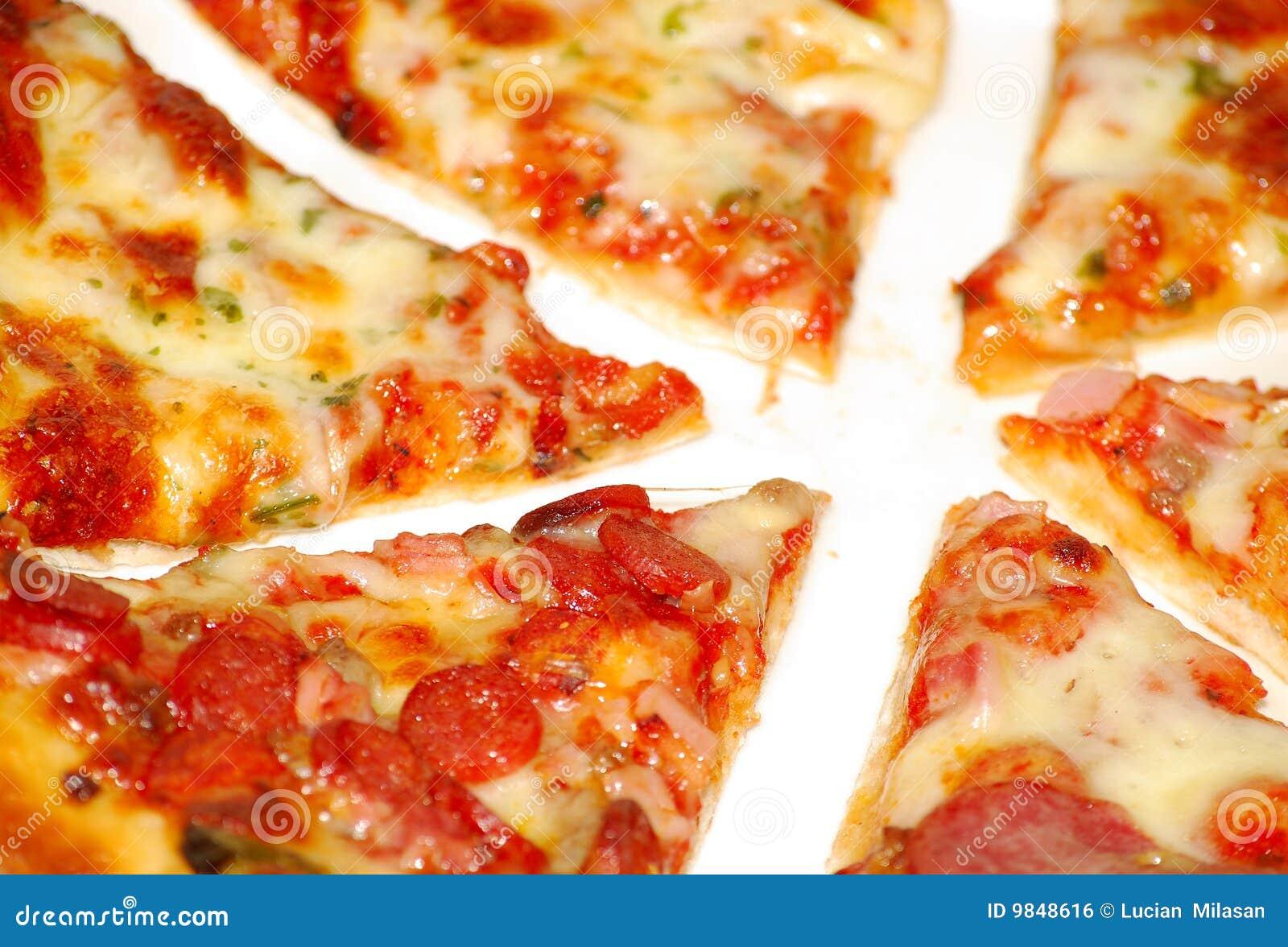 Pizza pokrajać