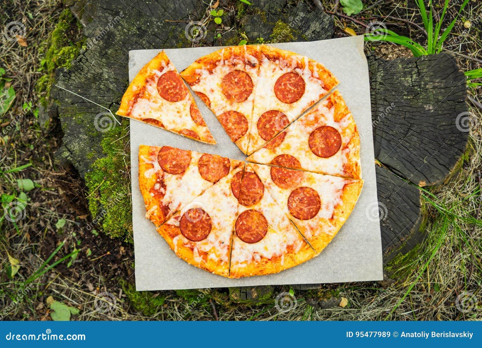 Pizza tła włoski kuchenny pepperoni pizzy biel