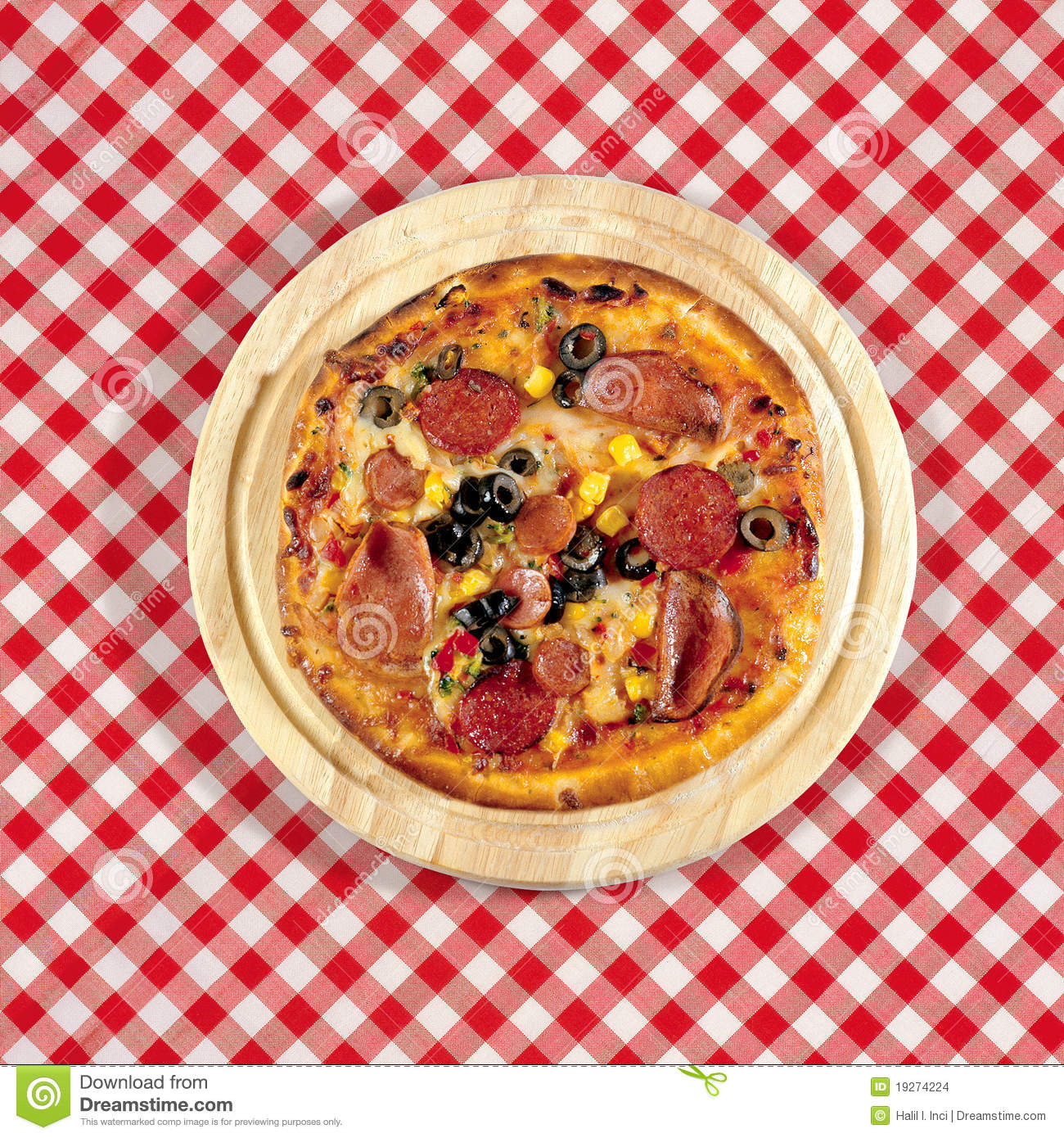 Pizza on table stock images image 19274224 for Table a pizza