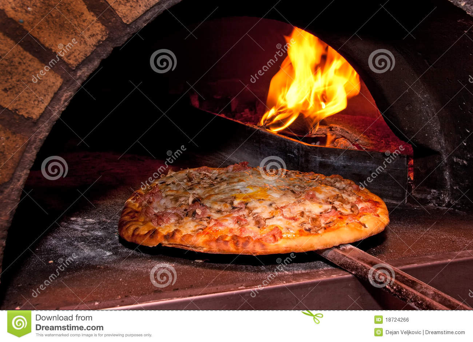 Pizzabacken im Ofen