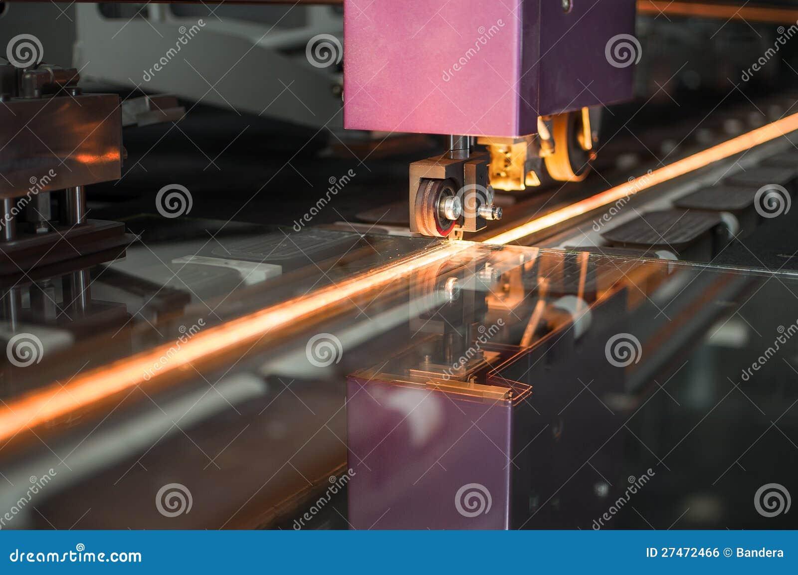 Pläterad glass cutting