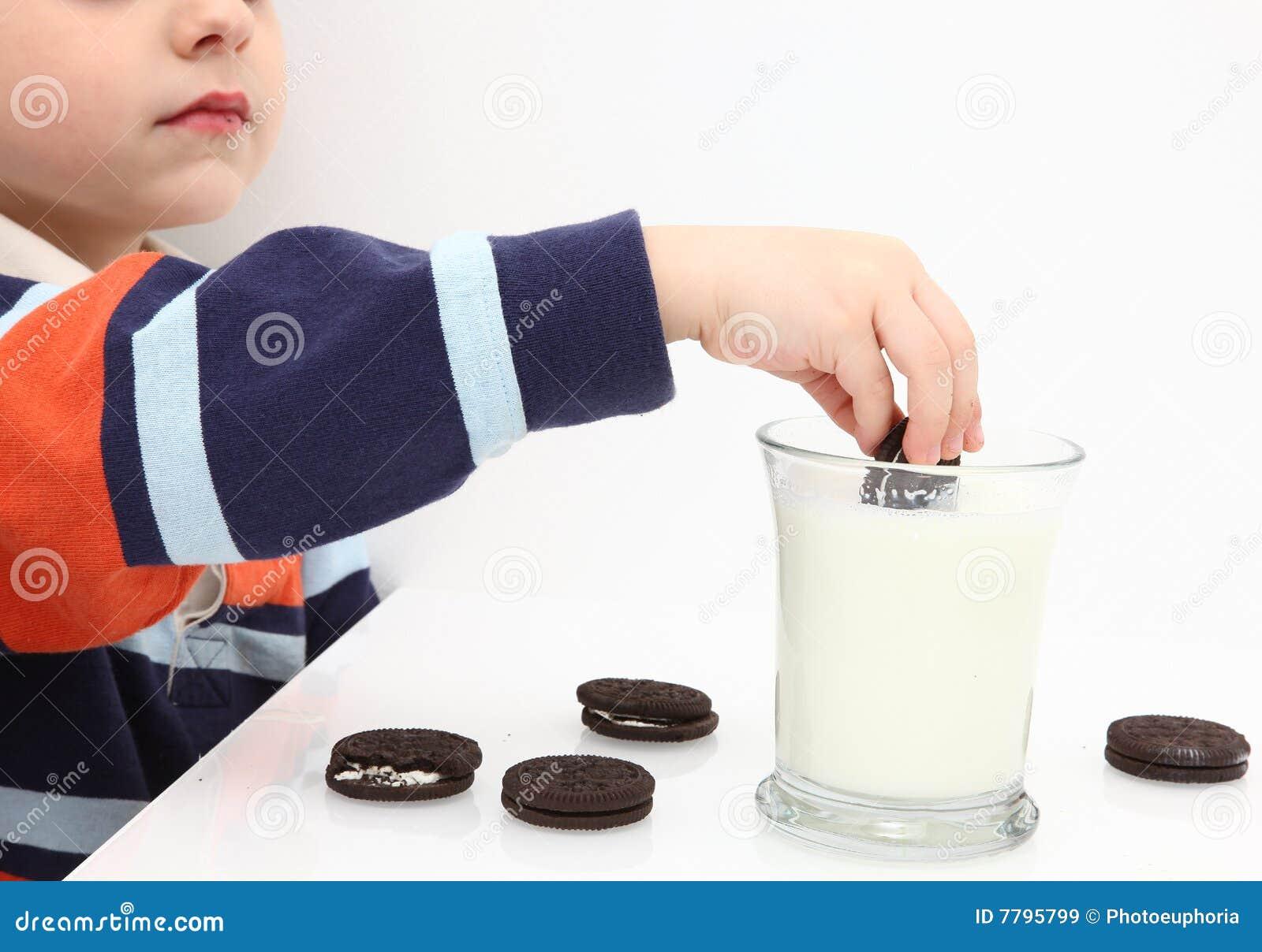Plätzchen und Milch