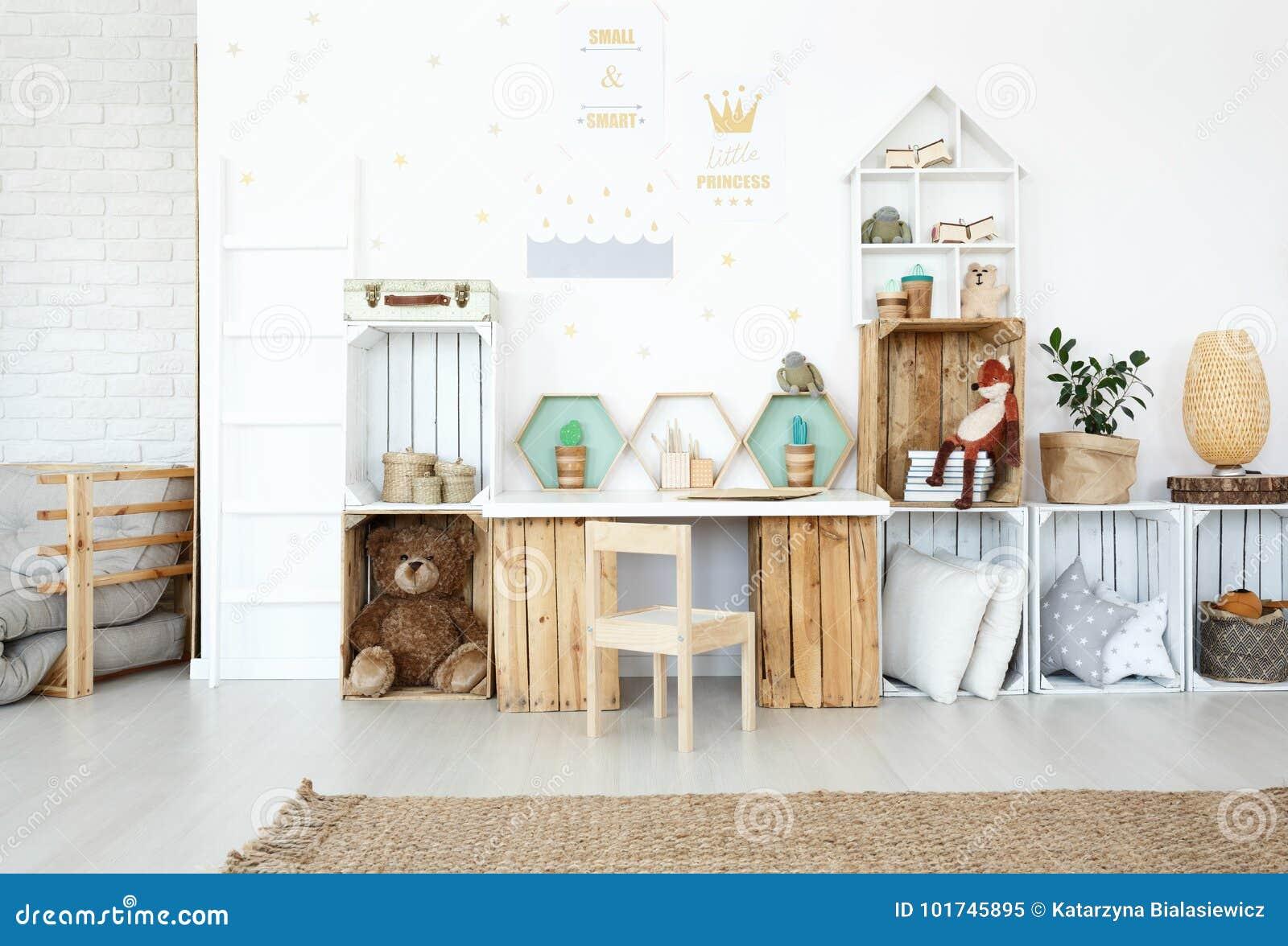 Plüschspielwaren in Kind-` s Raum
