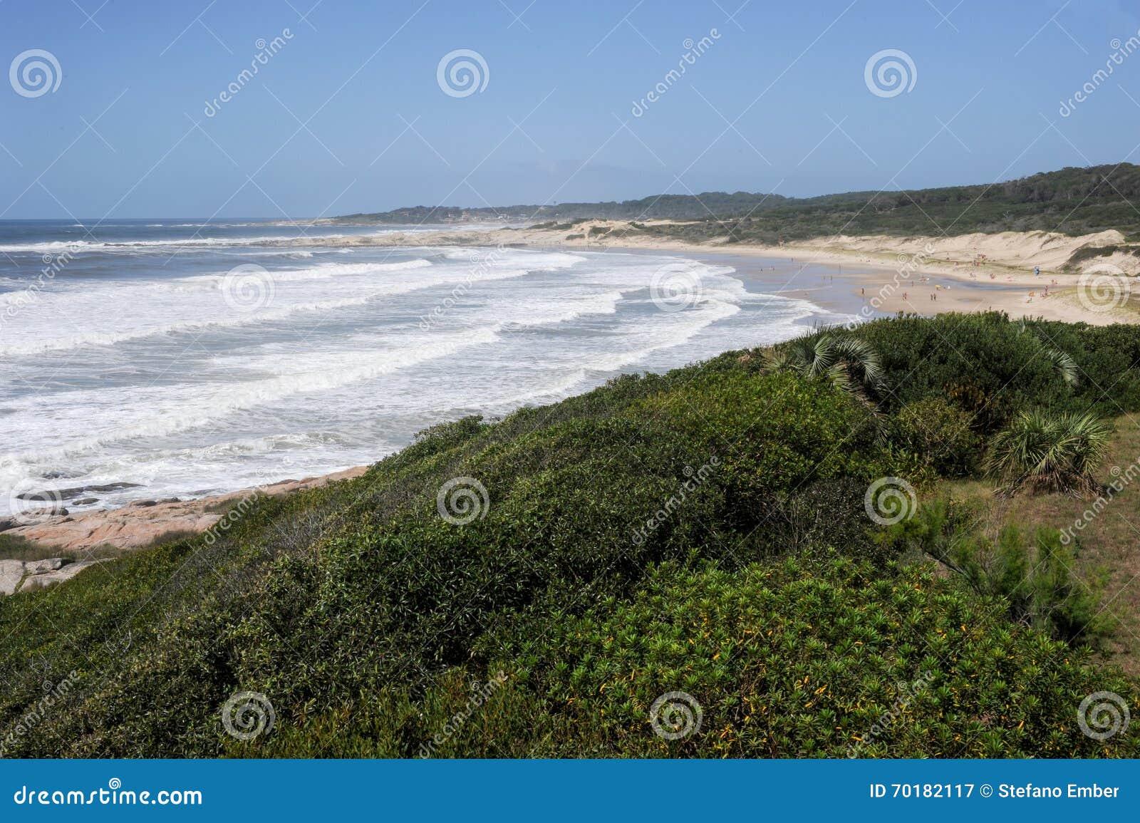 Plaża Achiras na Santa Teresa parku narodowym