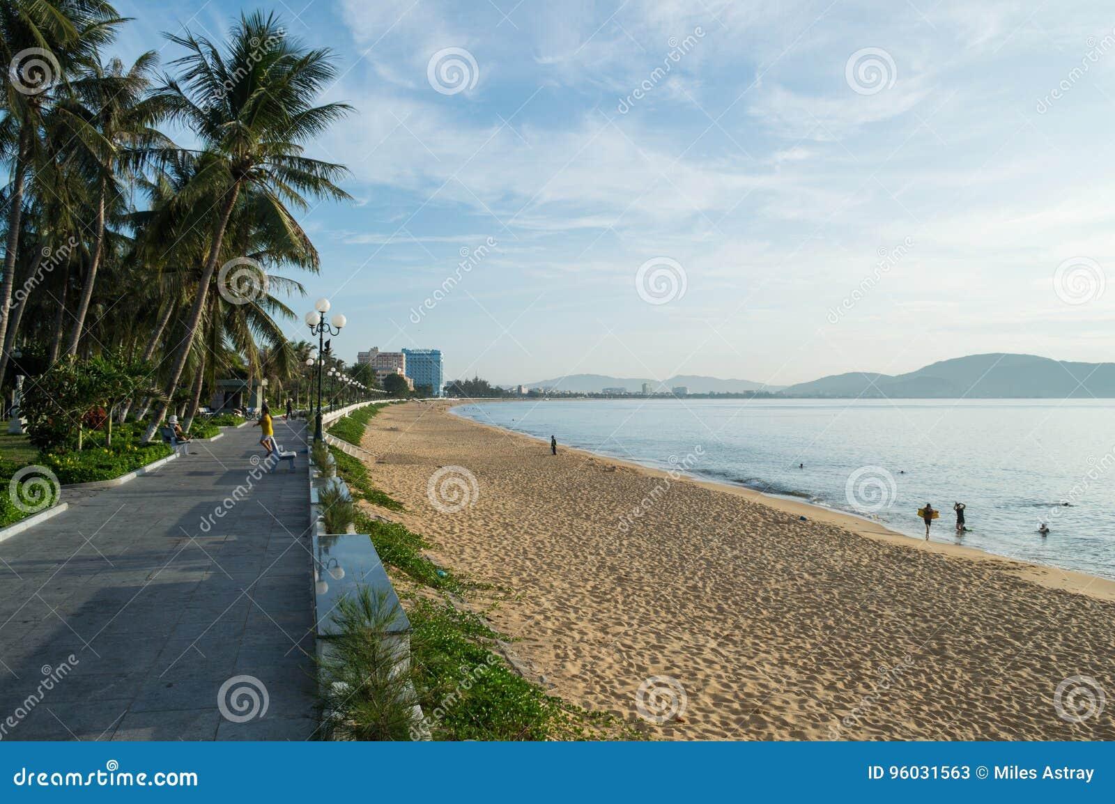 Plaża i deptak, Qui NhÆ ¡ n, Wietnam