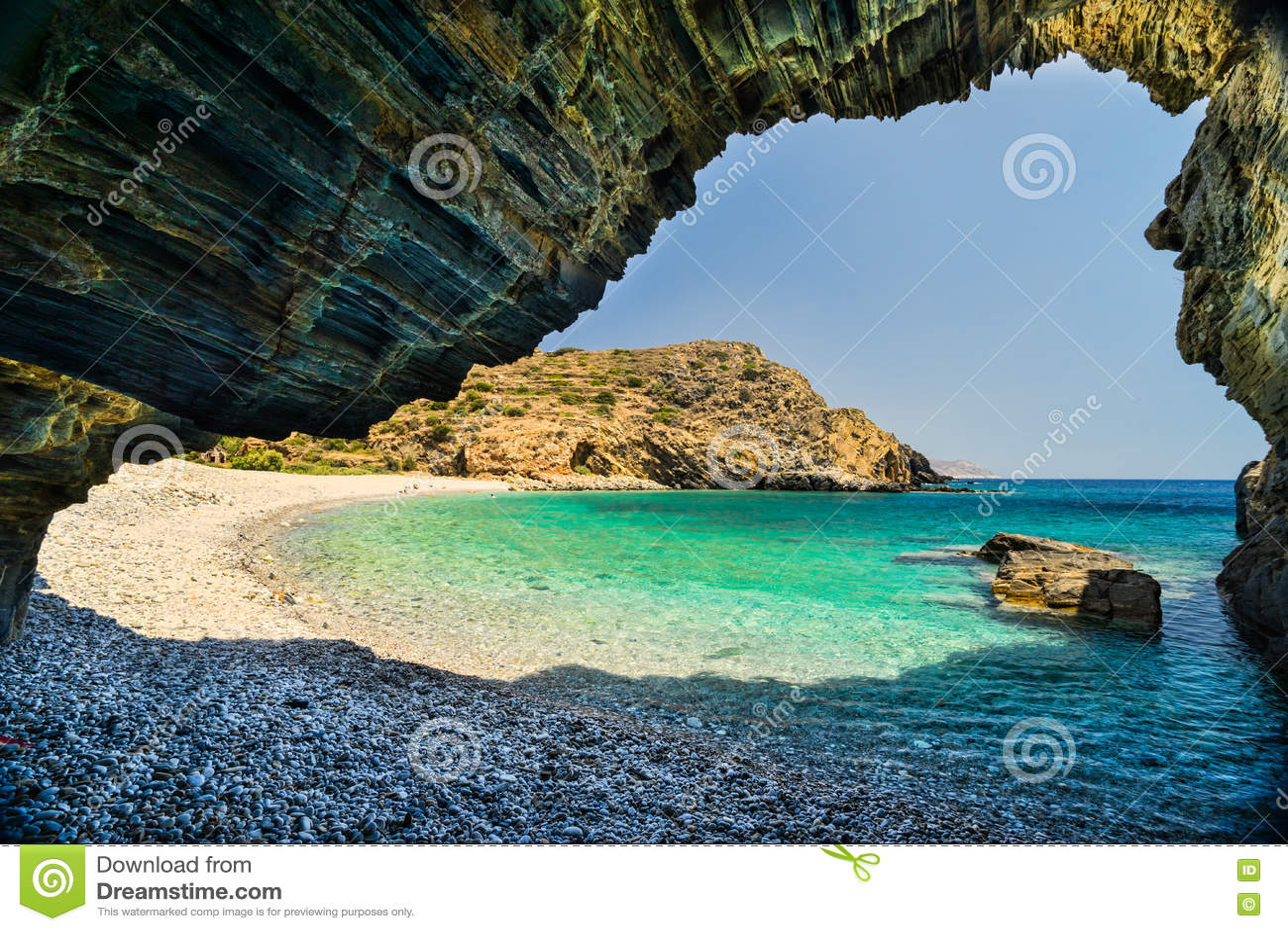 Plaża z jamą